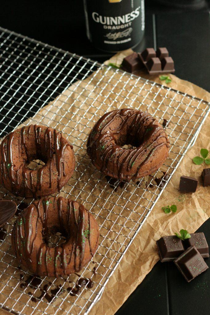 krimiundkeks guiness-schoko-donuts schokokuchen donuts