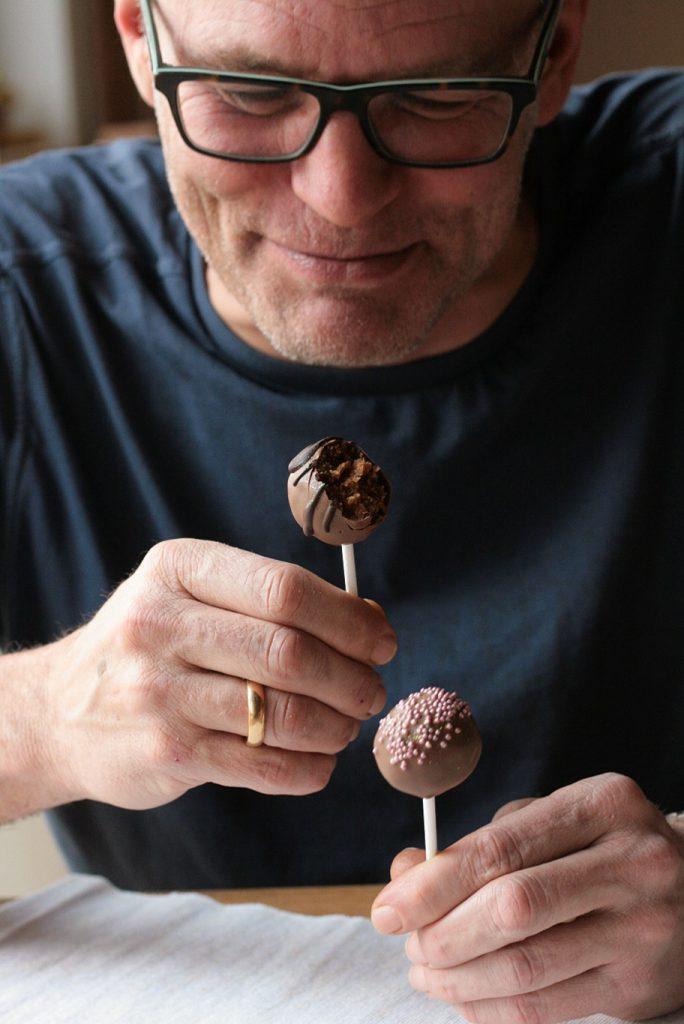 https://krimiundkeks.de/2017/02/05/herzige-cakepops-zum-valentinstag-lecker-fuer-jeden-tag/