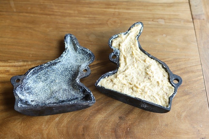 Ostern Osterhasen Rührteig Gusseisen-Backform Backen für Ostern Rührkuchen Mandeln Osterbacken Backform von Oma krimiundkeks
