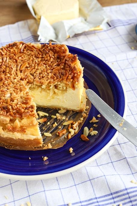 Käsekuchen Bienenstich Quark Mandeln Quarkkuchen Cheesecake Mürbeteig Käsekuchen backen Käsekuchen Rezept Bienenstich Rezept krimiundkeks
