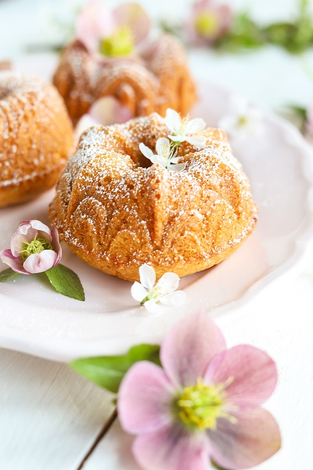 Mini-Gugelhupfe Gugelhupf Bundt Bundtcake Rührteig Nuss Haselnüsse Mandeln Füllung Gugel Mini-Gugel krimiundkeks Lenz-Rose
