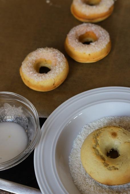 Donuts Zitrone Buttermilch Bottermelk Fresh Sommerlich Rührteig Kokos Zuckerguss krimiundkeks