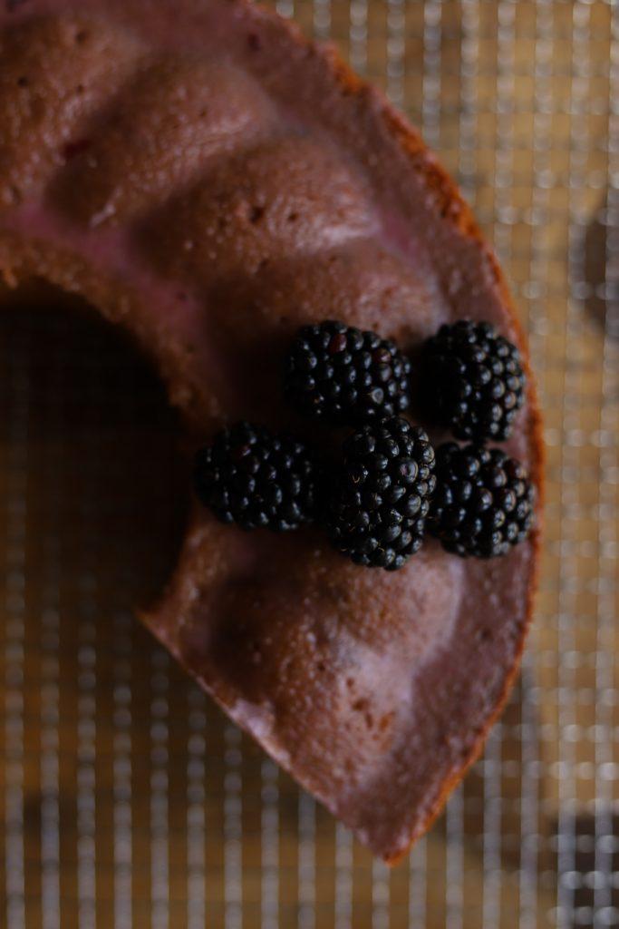 Marmorkuchen Brombeeren Rührkuchen Beeren Marmorierung Likör Backrezept krimiundkeks Kranzkuchen