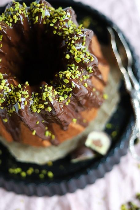 Tag des Gugelhupfs Gugelhupf Mozartkugel Nugat Marzipan Pistazien Rührkuchen Rührteig Schokolade Blogparade krimiundkeks