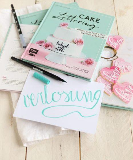 Backbuch Cake Lettering Handlettering EMF Verlag Keksdesign meinkeksdesign Zuckerschrift Tortendeko krimiundkeks
