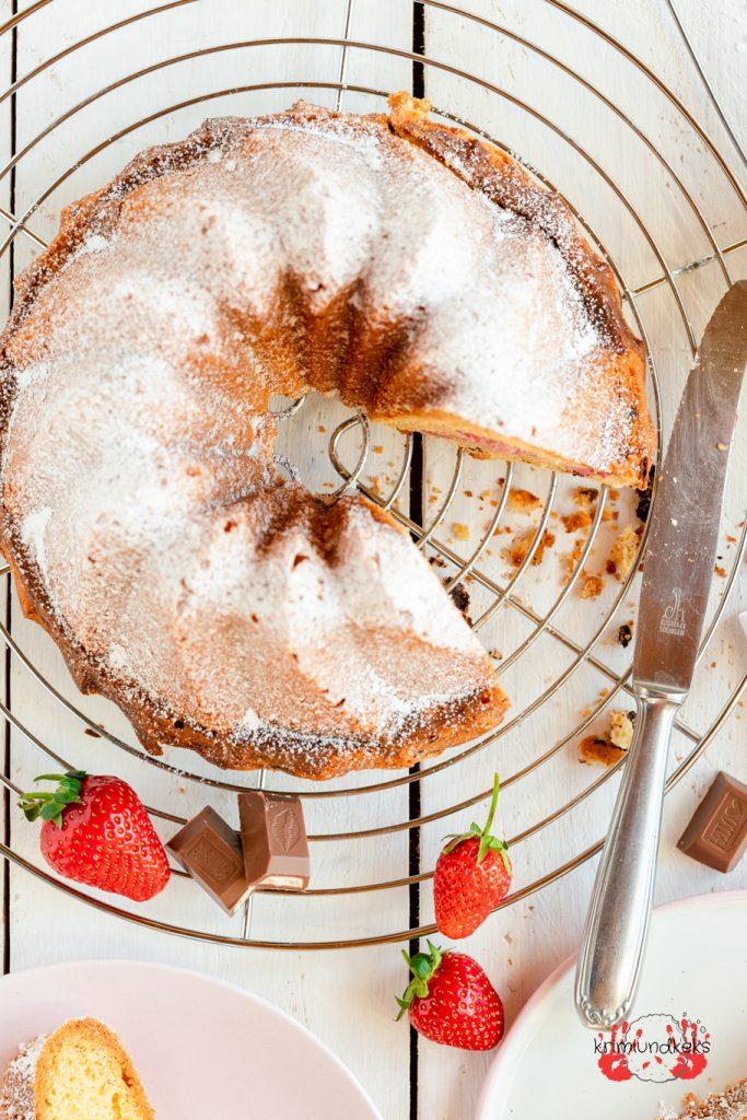 Erdbeerkuchen Strawberry-Cheesecake-Gugelhupf Gugelhupf Rührkuchen Erdbeeren Schokolade Gugel Käsekuchen Cheesecake krimiundkeks