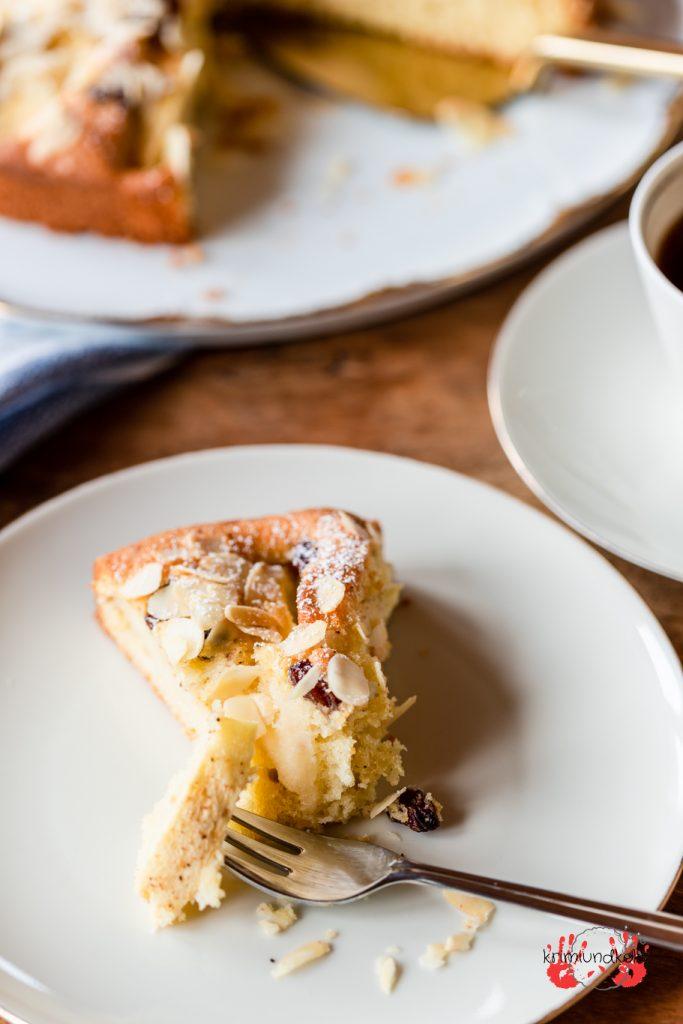 Apfelkuchen Rührteig mitgebacken Rosinen Zimt Mandeln Apfel krimiundkeks