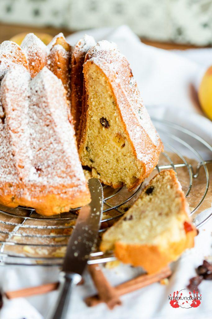Bratapfel-Gugelhupf Gugelhupf Tag des Gugelhupfs Bratapfel Rührkuchen Zimt Apfel Mandeln Rosinen krimiundkeks