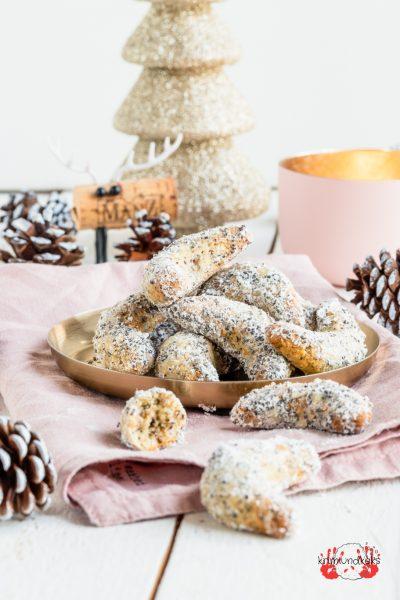 Plätzchen Weihnachtsbäckerei Weihnachten Kipferl Mohn-Zitronen-Kipferl Mohn Vanillekipferl krimiundkeks