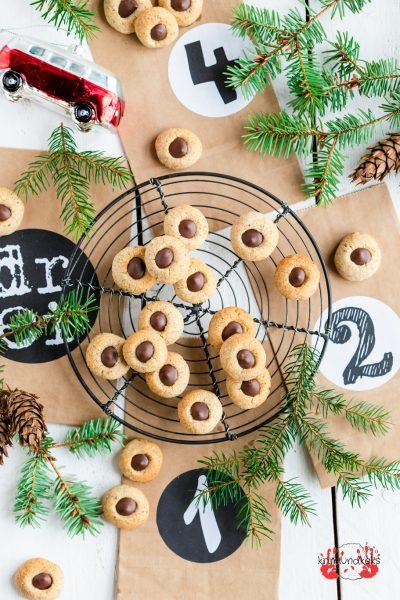 Husarenknöpfe Weihnachtsbäckerei Schokolade Nüsse Plätzchen Weihnachten Zimt krimiundkeks