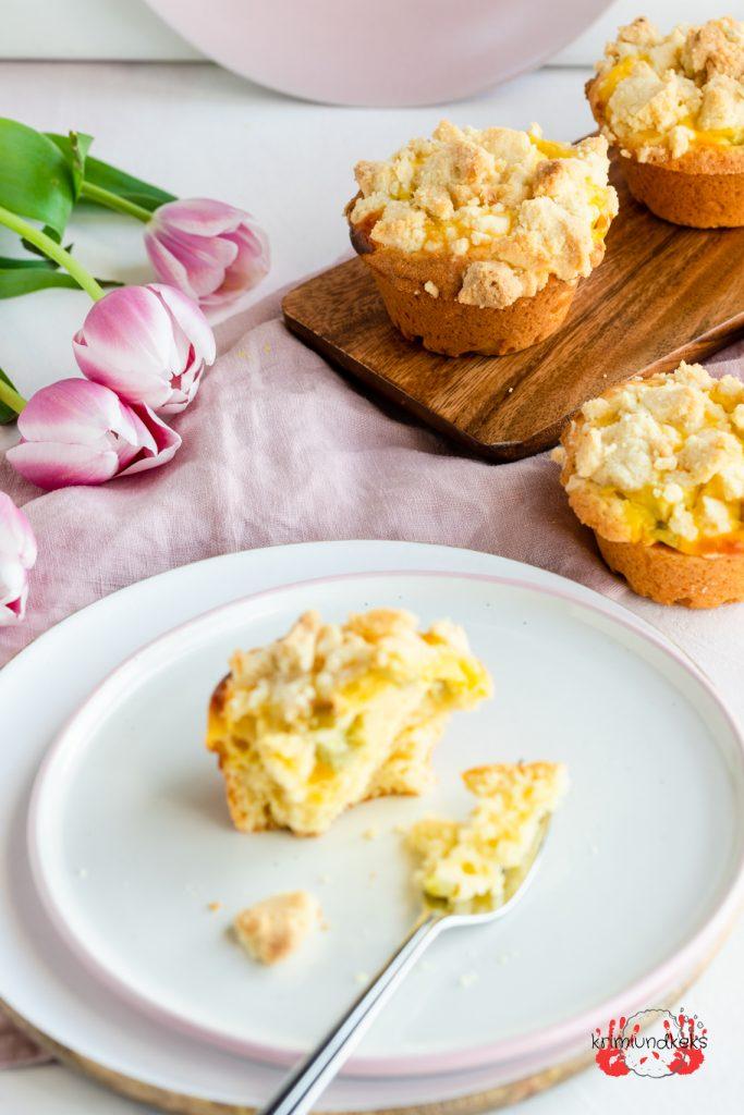 Rhabarber-Quark-Muffins Rhabarber Muffins Käsekuchen Quark Rührteig krimiundkeks