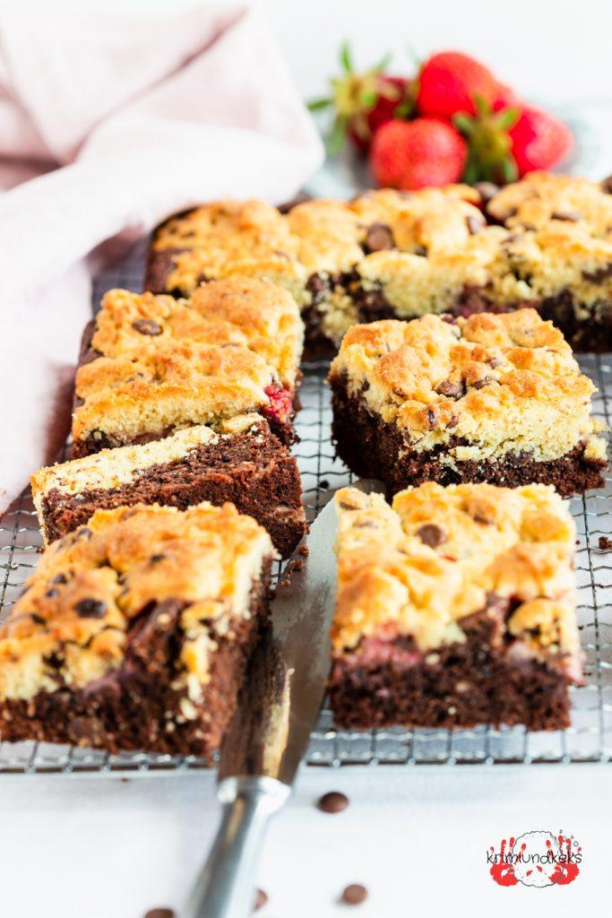 Brookies mit Erdbeeren Brownies Cookies Schokolade Erdbeeren krimiundkeks