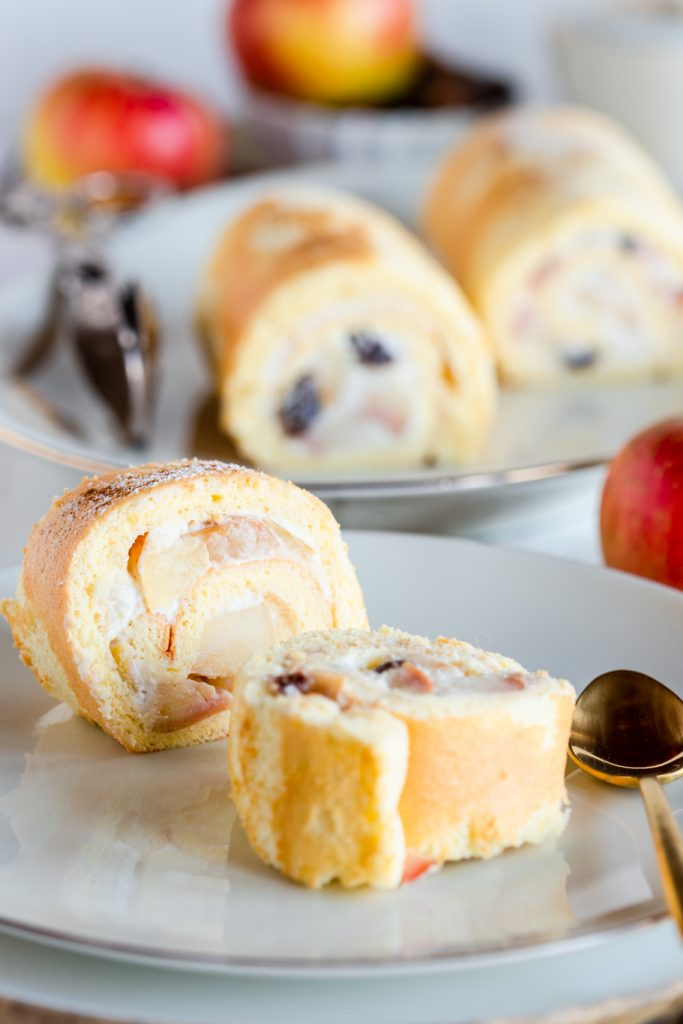 Biskuitrolle Apfelkuchen Apfel Bratapfel Mini-Biskuitrolle Quark Herbst Wie macht man Biskuit fluffige Biskuitrolle krimiundkeks
