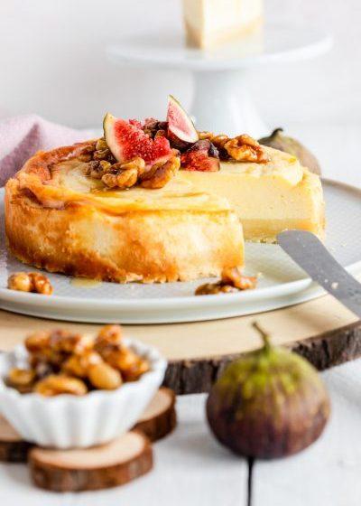 Cheesecake mit Ziegenkäse und Feigen Käsekuchen Ziegenkäse Ziegenfrischkäse ziegenkäse aus frankreich französisch Mürbeteig Feigen Walnüsse Honig Karamell krimiundkeks
