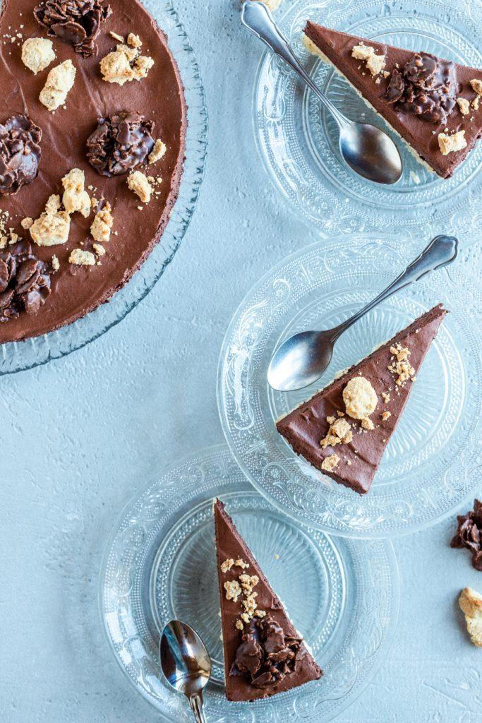 Mousse-au-Chocolat-Torte Schkolade Torte Sahne Crunch Mürbeteig Rezept krimiundkeks