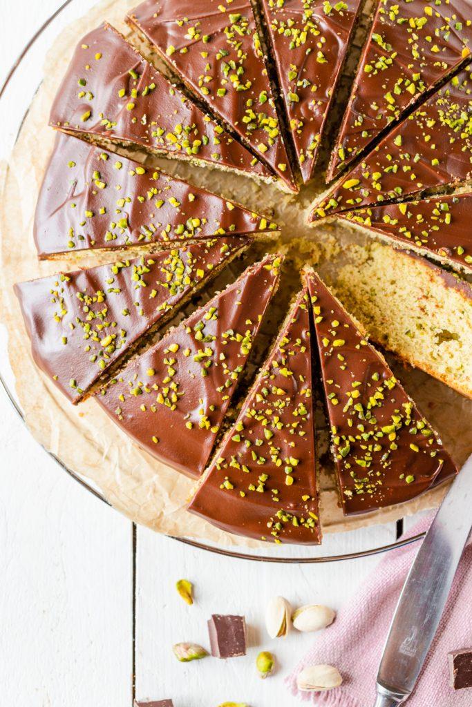 Pistazien-Nugat-Kuchen Tag der Pistazie Pistazie Nugat Ganache Rührkuchen krimiundkeks