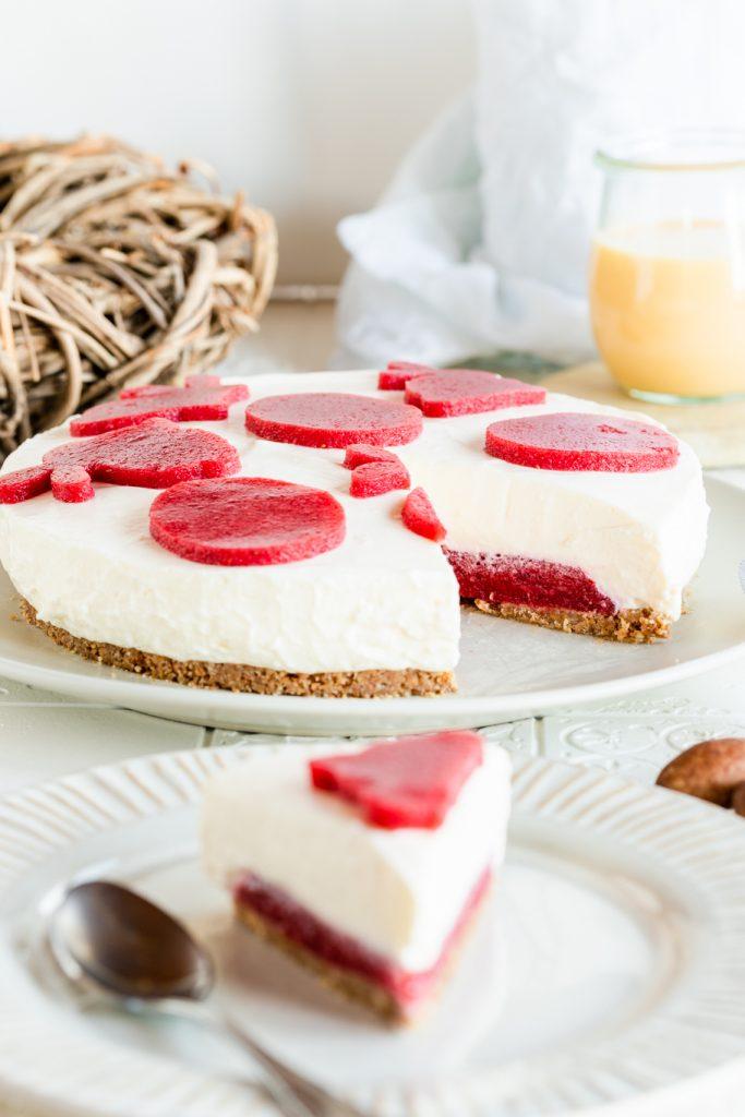 Backen für Ostern Käsekuchen Frischkäse #osterbloggen2021 Erdbeeren ohne Backen krimiundkeks