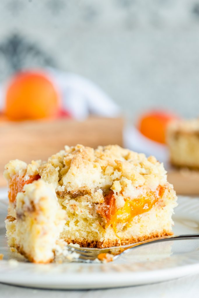 aprikosenkuchen mit streuseln